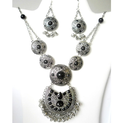 Silver-tone Gypsy Necklace Set + FREE Gift