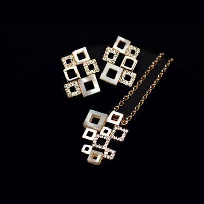 18k Gold Plated Shells And Crystals Checkered Jewellery Set