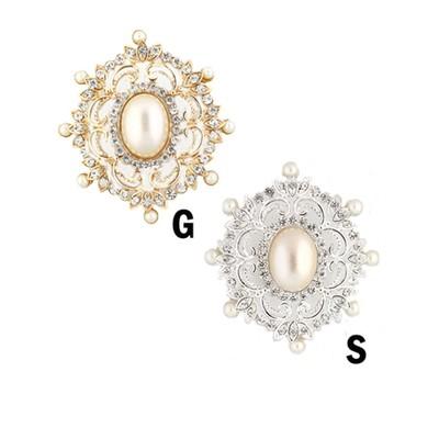 Elegant Victorian pearl brooch in various colors
