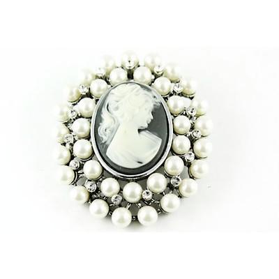 Vintage pearls cameo brooch