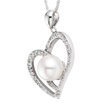 Pearlyta Sterling Silver Freshwater Pearl and Cubic Zirconia Heart Necklace (8-8.5 mm)