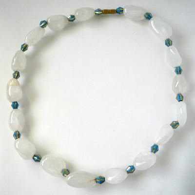 White Quartz & Beads Collar + FREE Gift