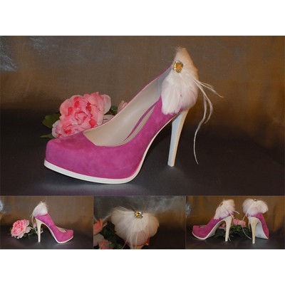 White Feather Shoe Clips-Item # 3002