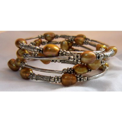 Fresh Pearl Bracelet With Metal (5 Wraps, Brown Color)