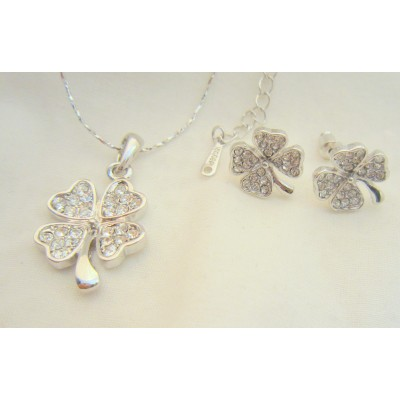 Four Leave 18K White Gold Swarovski Crystal (white) Necklace With Earrings