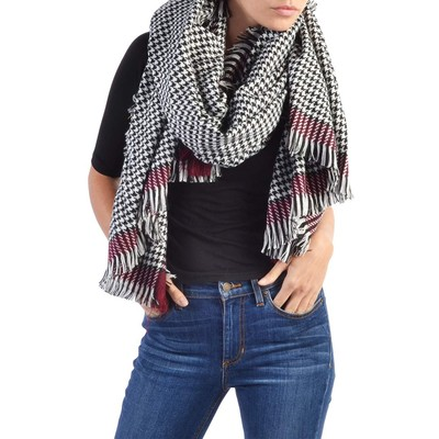 ONLY       ONLSYDNEY HOUNDSTOOTH SCARF