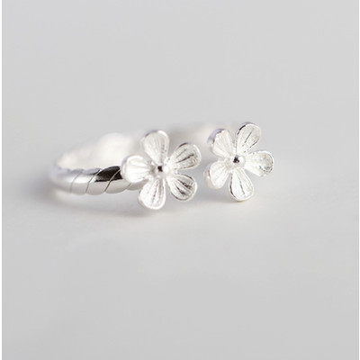 Hand Carved Silver Double Daisy Open Ring
