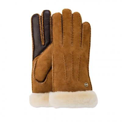UGG Carter Smart Glove in Chestnut