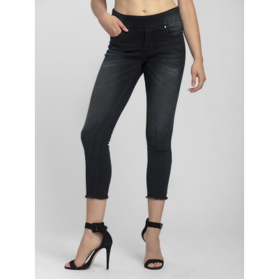 Bluberry Women's Diem Black Cropped Leg Denim