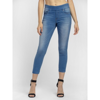 Bluberry Wome's Cheryl Light Blue Cropped Leg Denim