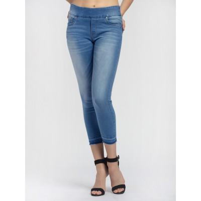 Bluberry Women's Esme Light BlueCropped Leg Denim